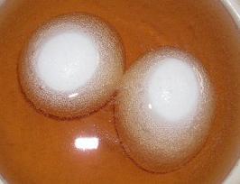おや?卵から泡が・・・